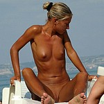 Nudist girls spread legs wide, do guess why? :)